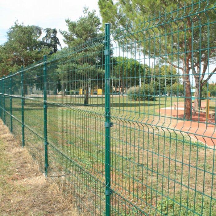 http://www.clotures-grillages.com/panneaux-rigides-serie-4-vert-longueur-30-m