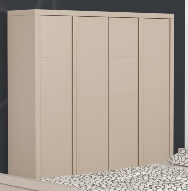 Armoire beige à quatre portes