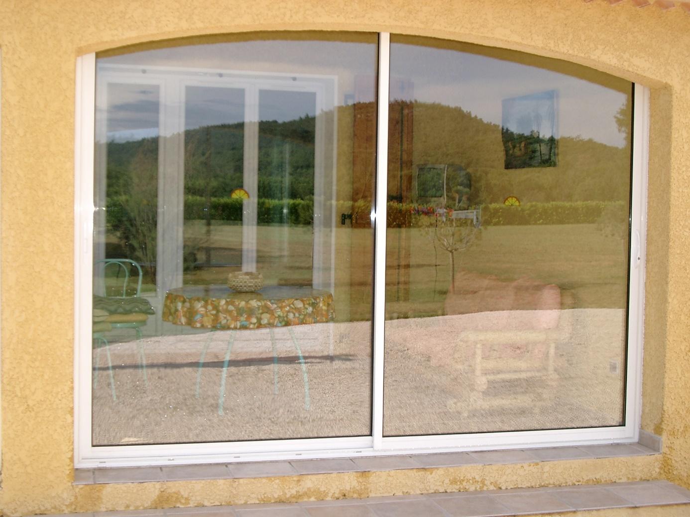 Fenêtre en aluminium à La Valette-du-Var - Les Menuiseries de la Vallée